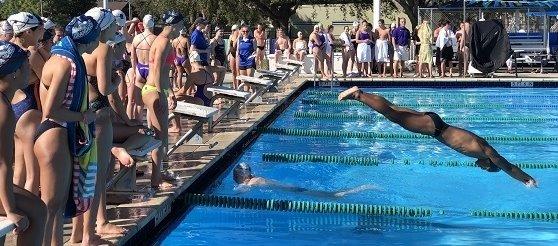 Makos swim team at the pool.
