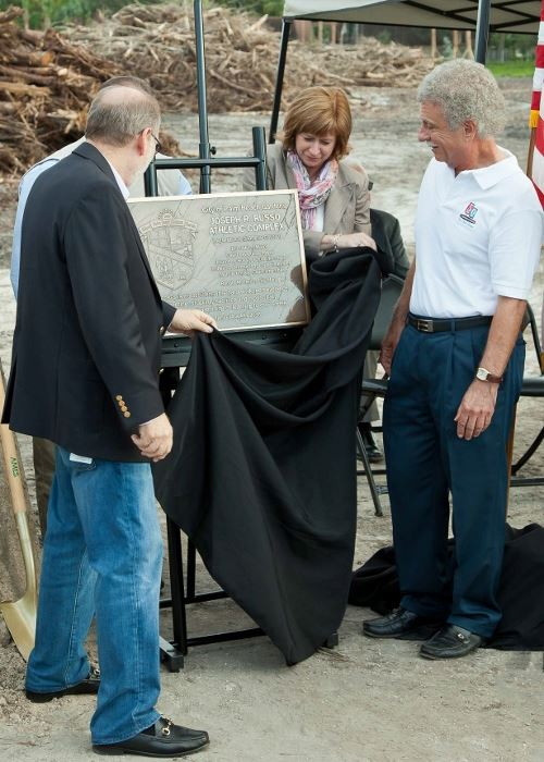 Council members unveiling the plaque